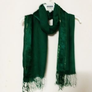 Scarf with gold thread